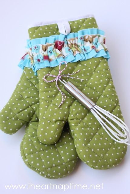 oven-mittens-plus-24-more-handmade-gifts-under-5